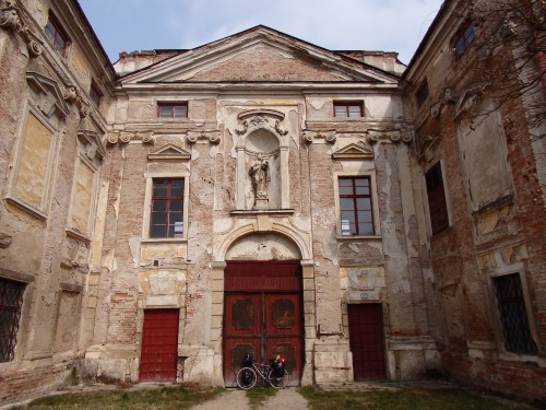Jaroslavice castle