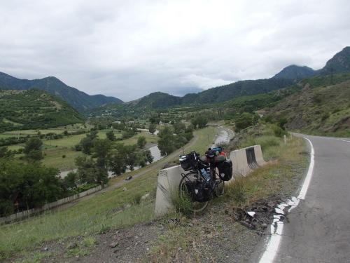 Between Akhaltsikhe and Borojmi